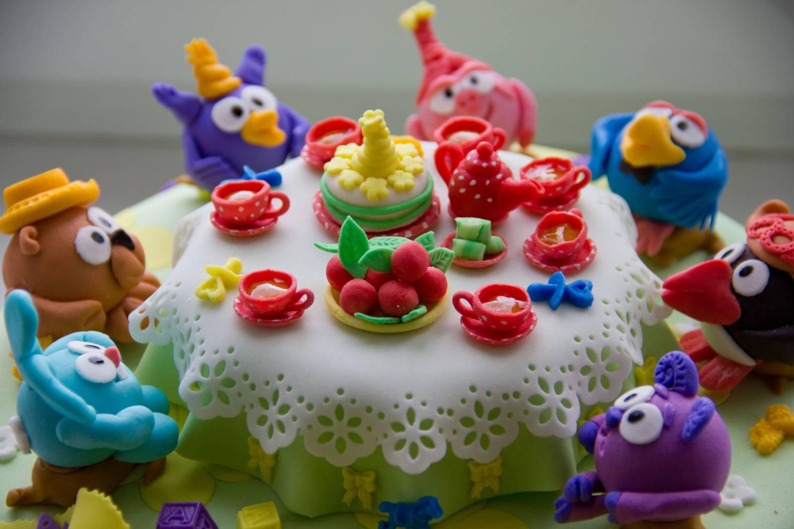 Детская мастика и фигурки из нее — оригинальное украшение торта новые фото